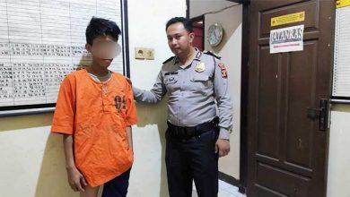 Photo of Sembunyikan Narkoba di Atas Kandang Ayam, Pemuda Ini Diciduk Polisi Sesaat Setelah Mandi