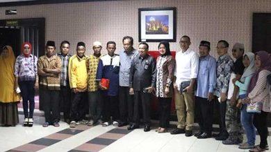 Photo of Komisi I Janji Tengahi Persoalan Dugaan Pencemaran Lingkungan Terhadap Petani Tambak Udang Desa Sepatin