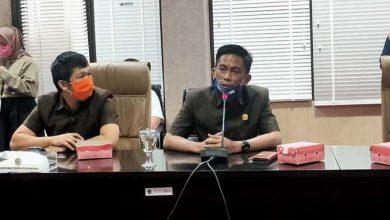 Photo of Beras Basah Belum Dibuka, Bakhtiar Wakkang: Pemerintah Tebang Pilih