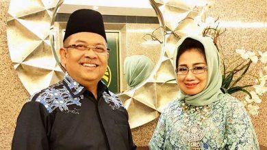 Photo of Menyibak Aroma Busuk Korupsi di Balik Frasa Defisit dalam OTT Bupati Ismunandar dan Istri oleh KPK (1)