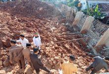 Photo of Komisi III DPRD Bontang Inspeksi Pagar Tembok BCM yang Nyaris Ambruk Menimpa Rumah Warga