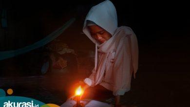 Menanti Kemerdekaan di Kampung Nyerakat Kiri, 38 Tahun Menyulam Malam dengan Pelita